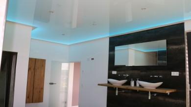 Luxusbad, Spanndecke Beleuchtung, Badbeleuchtung, Baddecke, LED Badbeleuchtung, Luxusdecke, Spanndecke weiß hochglanz LED Beleuchtung